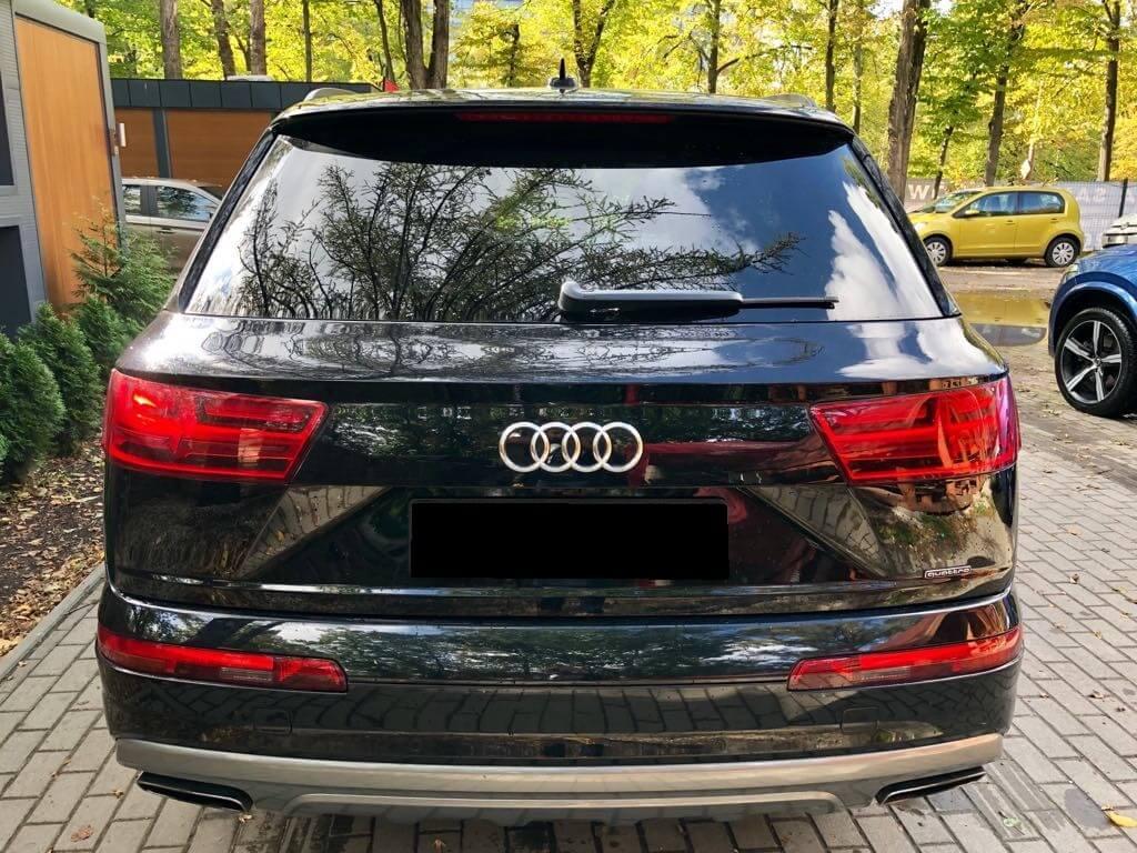Audi Q7 wynajem samochodów warszawa 3