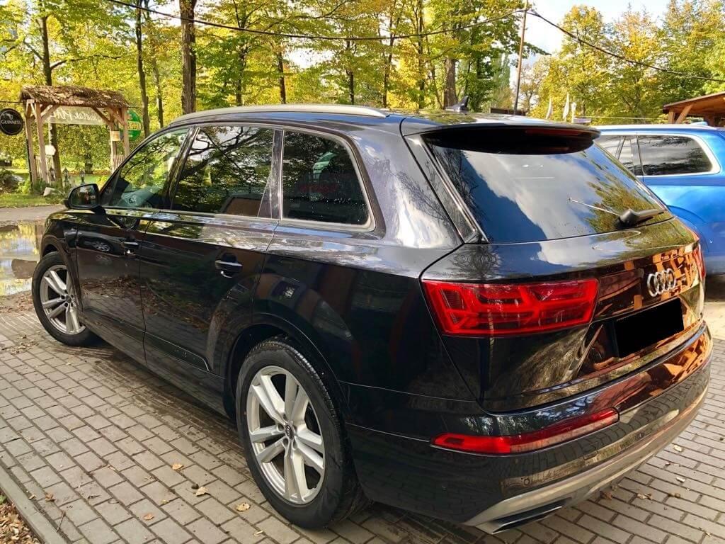 Audi Q7 wynajem samochodów warszawa 4