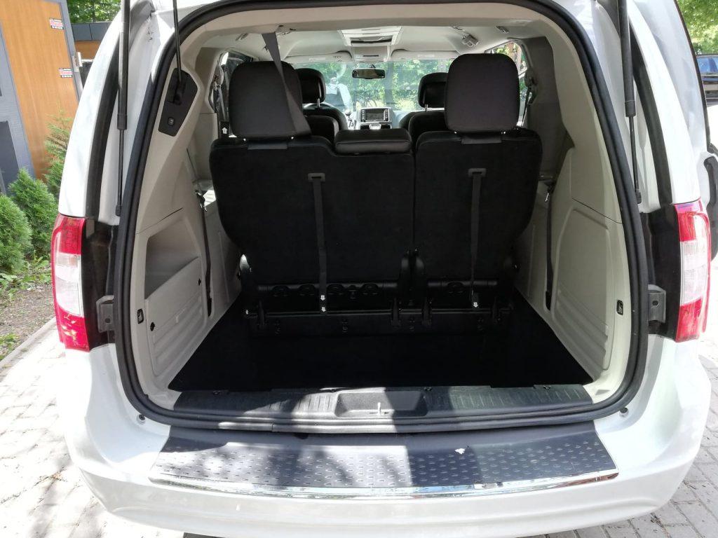 Chrysler Voyager wynajem samochodów warszawa 11
