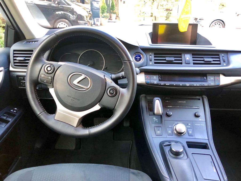 Lexus CT wynajem samochodów warszawa 11