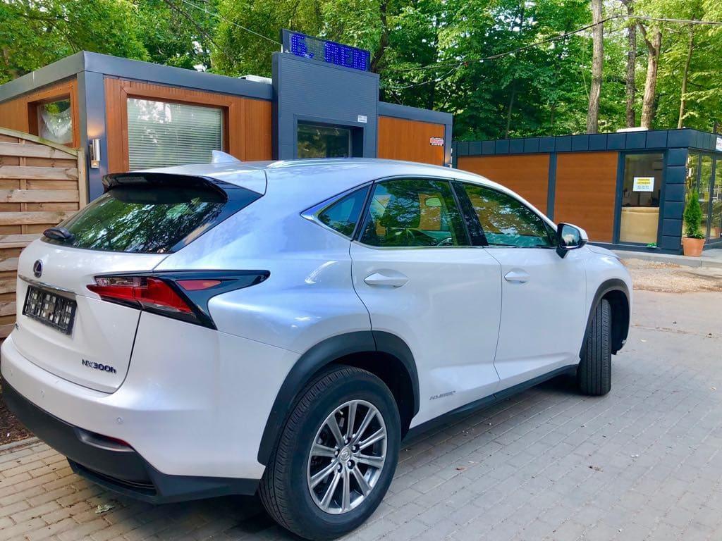 Lexus NX wynajem samochodów warszawa 2