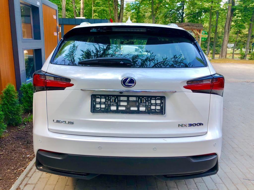 Lexus NX wynajem samochodów warszawa 3