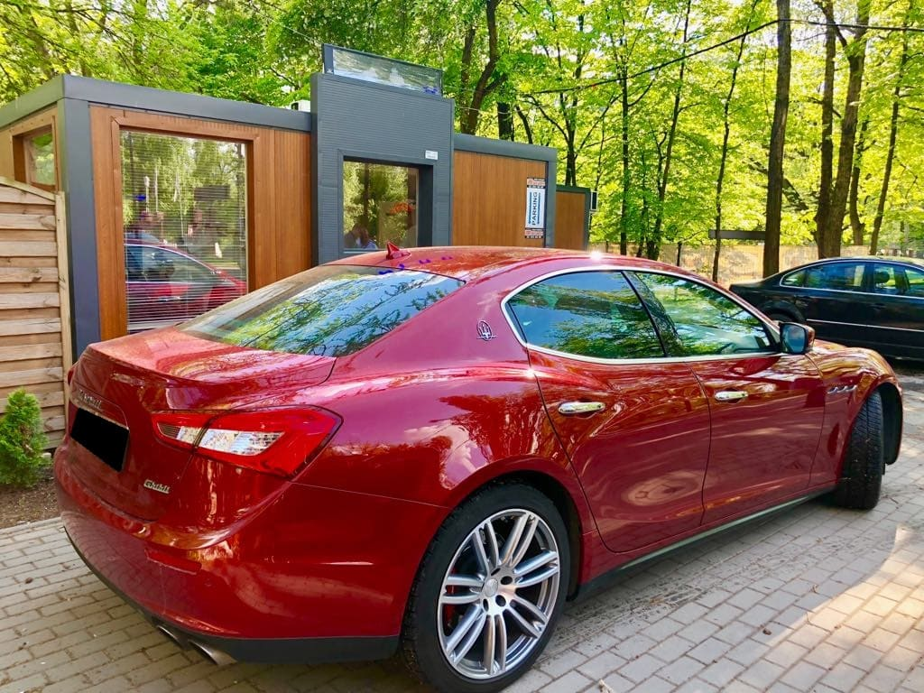 Maserati Ghilbi wynajem samochodów warszawa 2