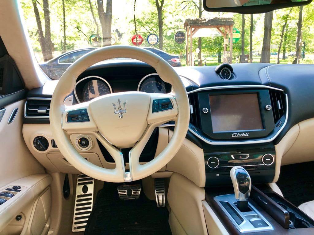 Maserati Ghilbi wynajem samochodów warszawa 7