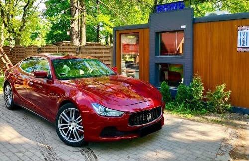 Maserati Ghilbi wynajem samochodów warszawa
