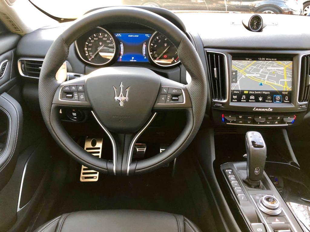 Maserati Levante wynajem samochodów warszawa 11