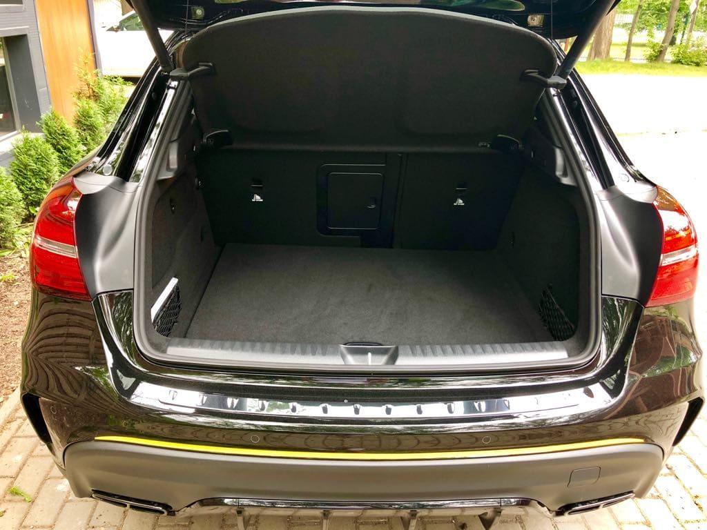 Mercedes GLA45 AMG wynajem samochodów warszawa 15