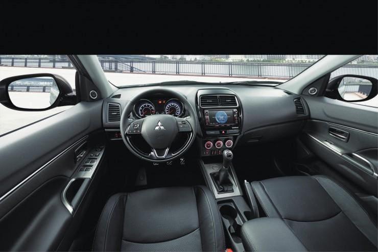 Mitsubishi ASX wynajem samochodów warszawa 3