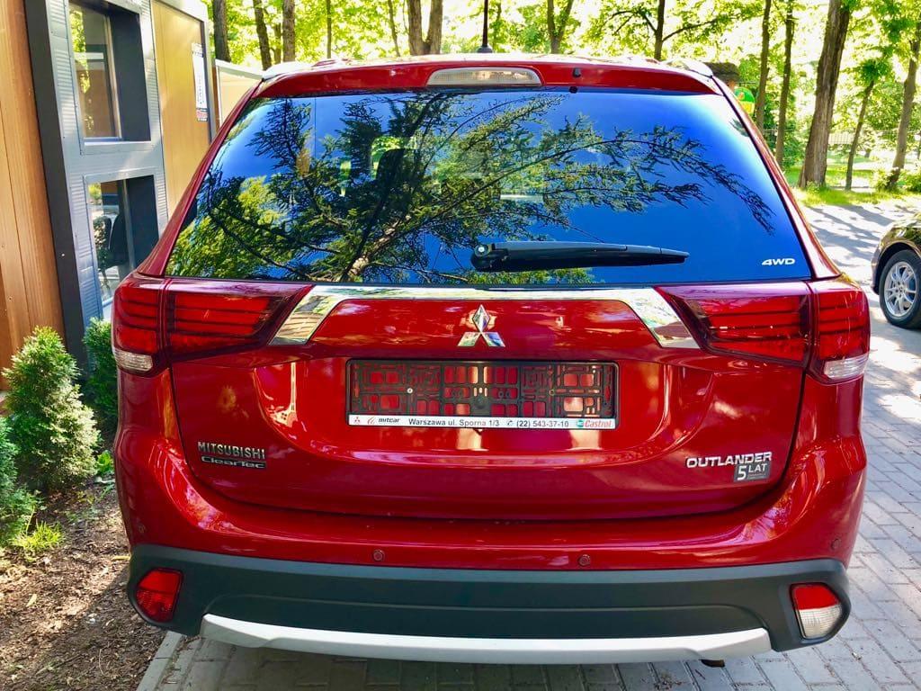Mitsubishi Outlander 4×4 wynajem samochodów warszawa 3