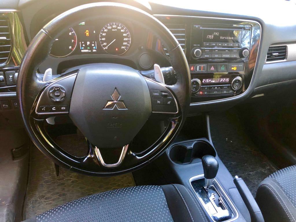 Mitsubishi Outlander 4×4 wynajem samochodów warszawa 7