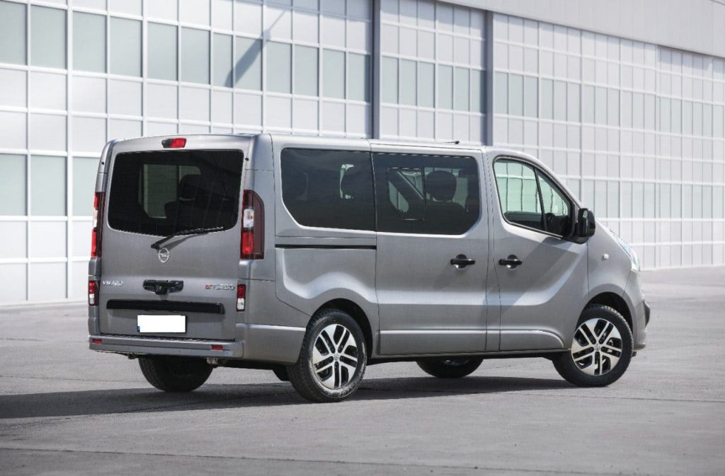 Opel Vivaro wynajem samochodów warszawa 8