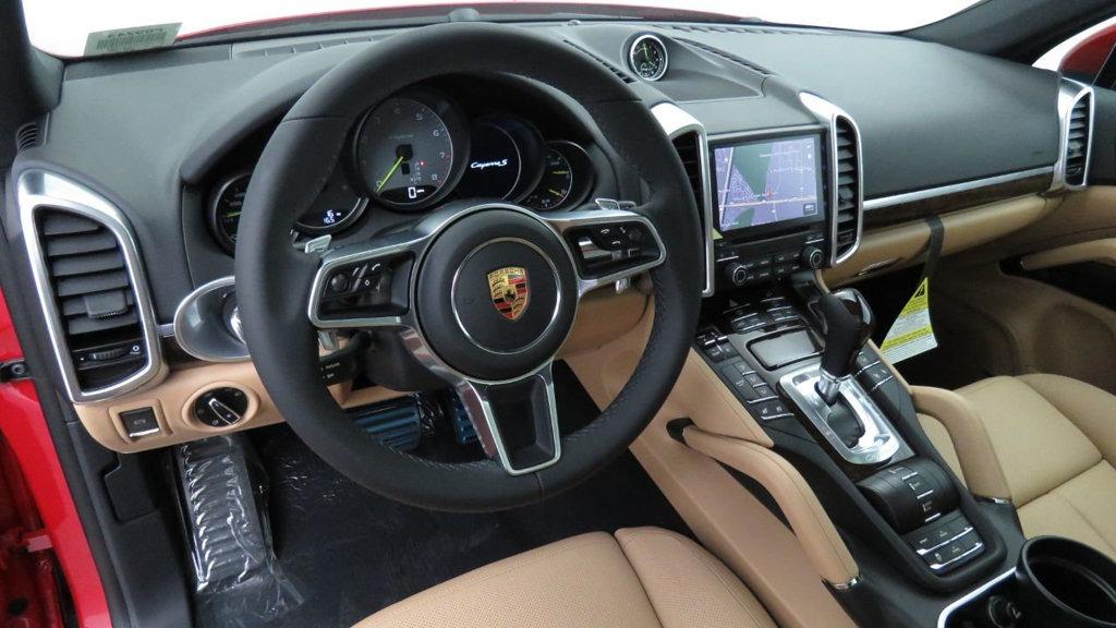 Porsche Cayenne wynajem samochodów warszawa 5
