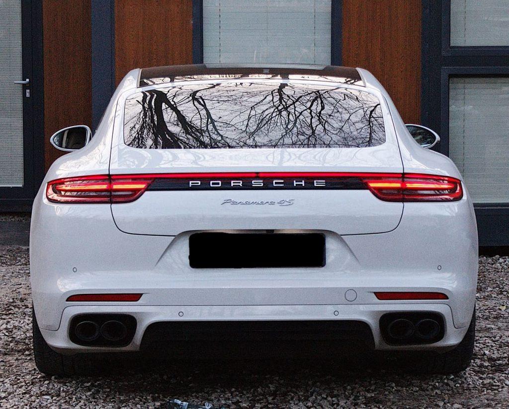 Porsche Panamera 4S wynajem samochodów warszawa 1