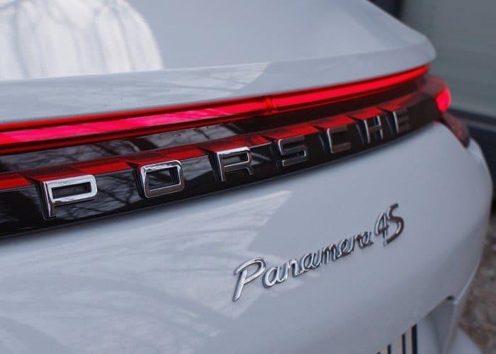Porsche Panamera 4S wynajem samochodów warszawa 10