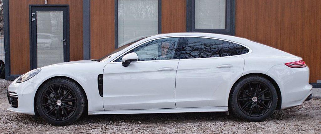 Porsche Panamera 4S wynajem samochodów warszawa 11