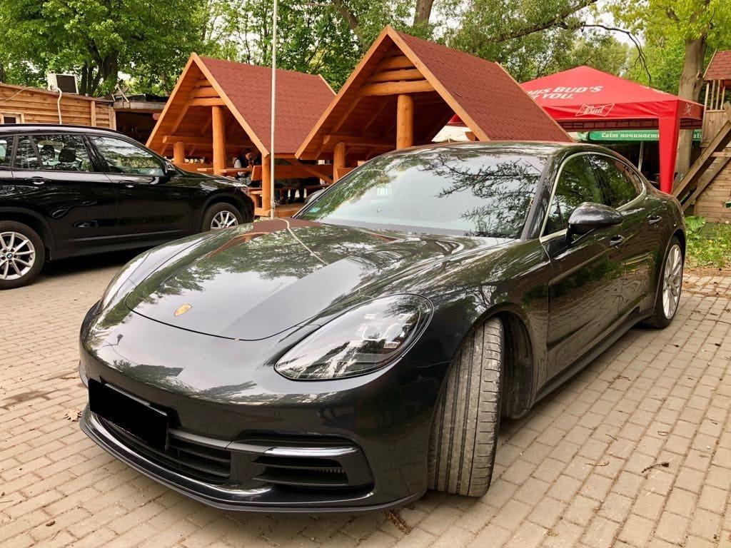 Porsche Panamera 4S wynajem samochodów warszawa 5