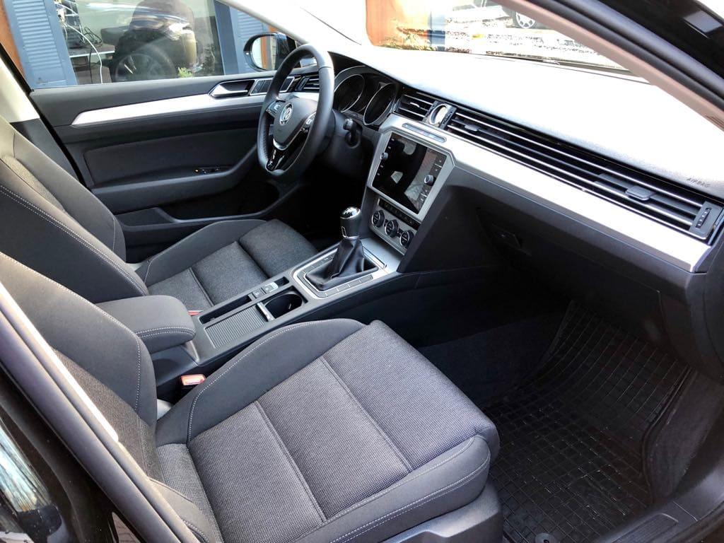 Volkswagen Passat Kombi wynajem samochodów warszawa 10