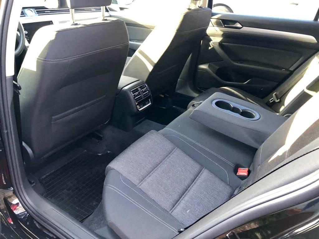 Volkswagen Passat Kombi wynajem samochodów warszawa 8