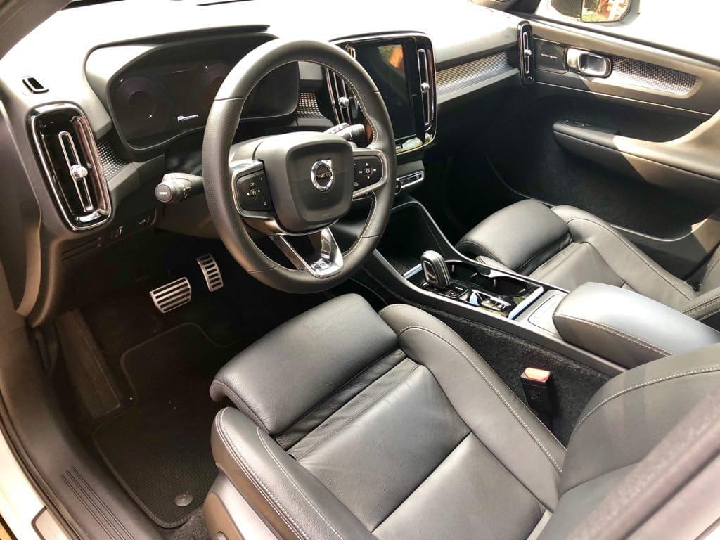 Volvo XC40 wynajem samochodów warszawa 7