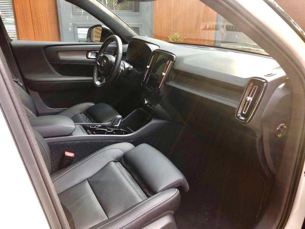 Volvo XC40 wynajem samochodów warszawa 9
