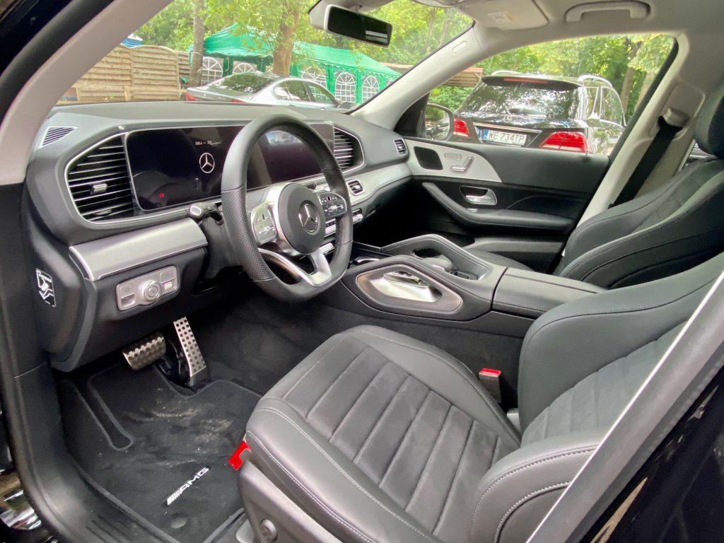 Jakie parametry samochodu wziąć pod uwagę podczas wynajmu?